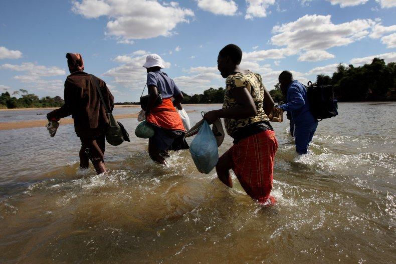 Border crossing Zimbabwe