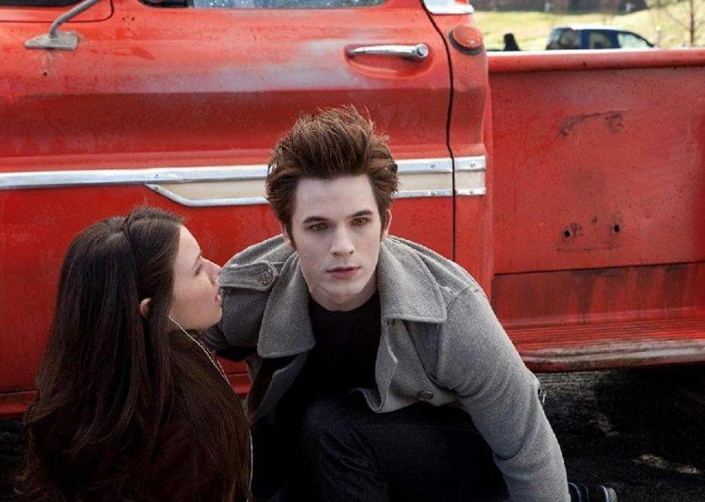 #52. Vampires Suck (2010)