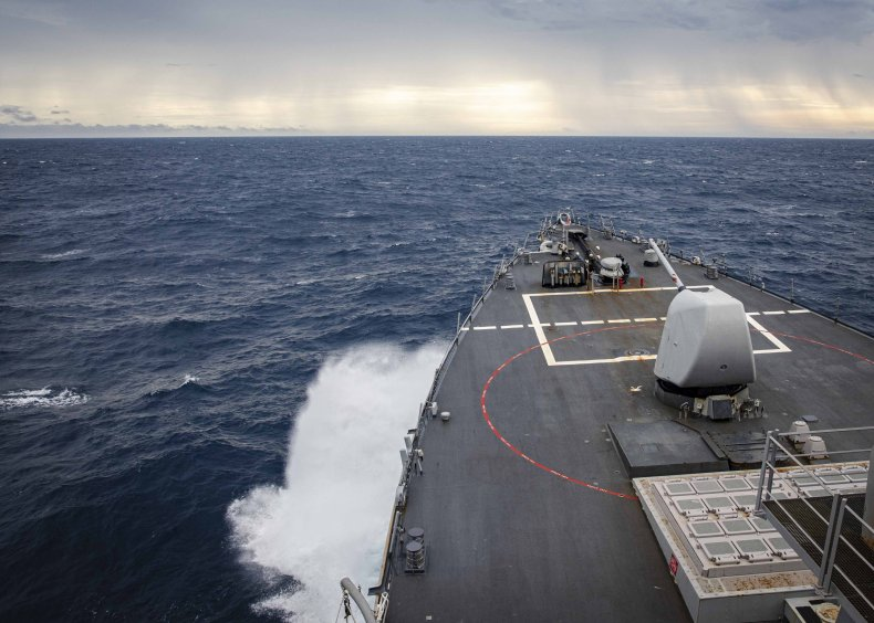 US Navy destroyer transits South China Sea