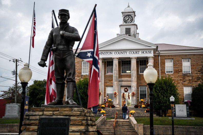 Alabama courthouse Confederate flag