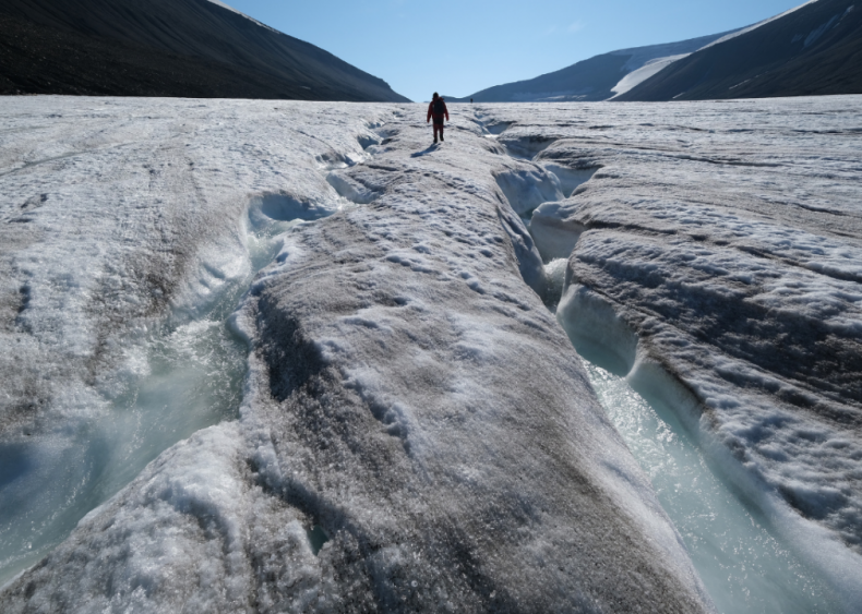 September 21: Scientists announce second-lowest Arctic ice extent