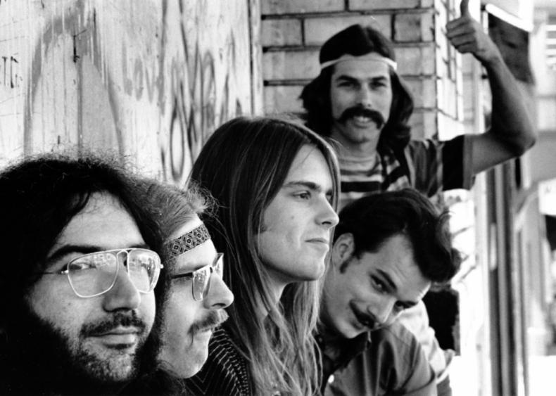 Grateful Dead plays its first acid test