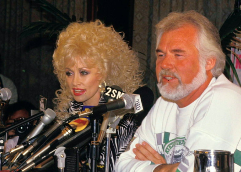 #32. 'Islands In The Stream' by Kenny Rogers with Dolly Parton
