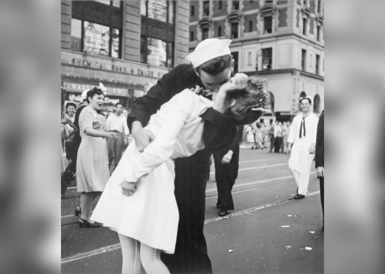 1945: Party in the USA