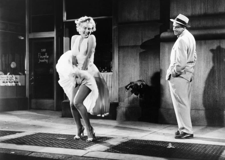 1954: Marilyn Monroe's iconic image