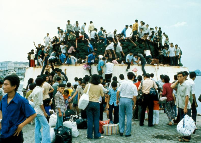 1975: Captivated audiences