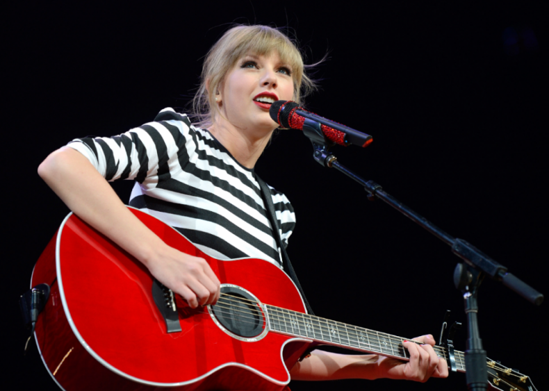 2012: Taylor Swift turns red