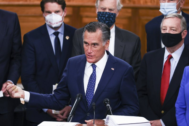 Mitt Romney with bipartisan group of lawmakers