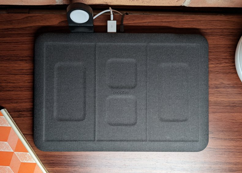 Mophie 4-in-1 Wireless Charging Mat 5 devices