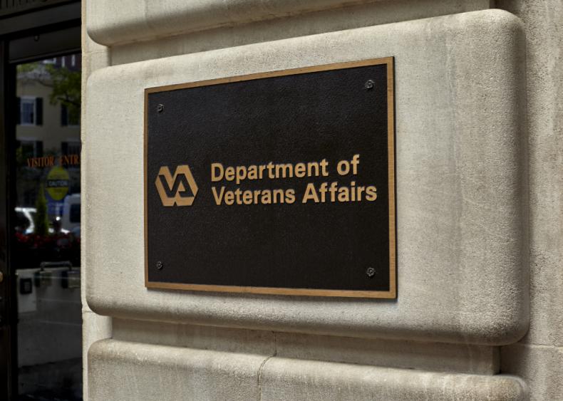 Trump administration sets up veterans hotline