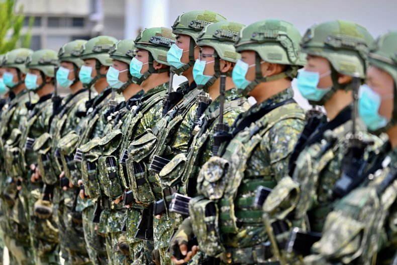 Taiwan Army Soldiers Wear Face Masks