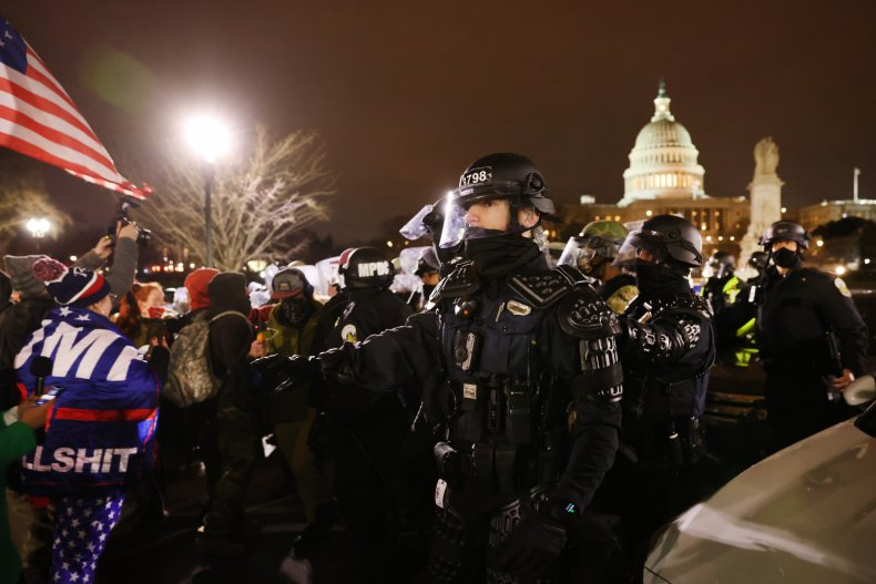 National guardsmen and police at the U.S.Capitol