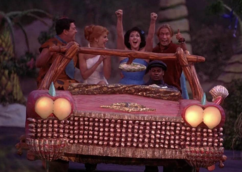 #98. The Flintstones in Viva Rock Vegas (2000)