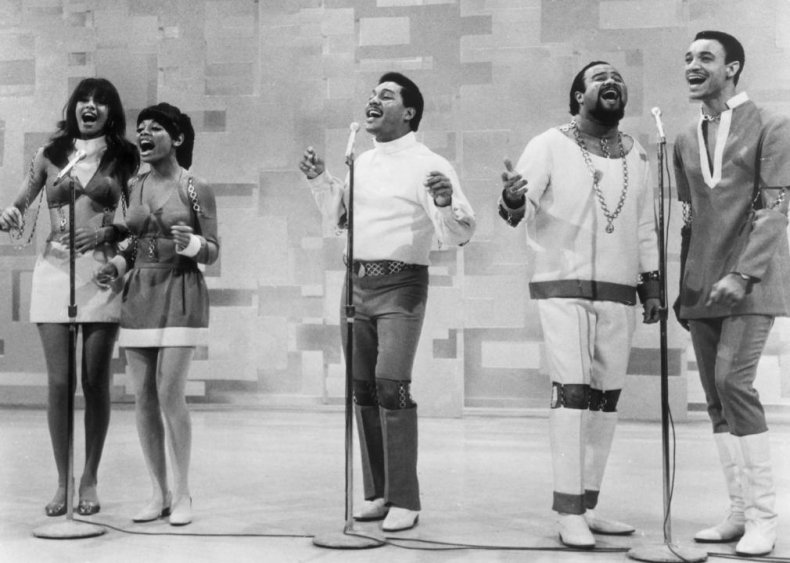 'Aquarius/Let the Sunshine In' by Fifth Dimension