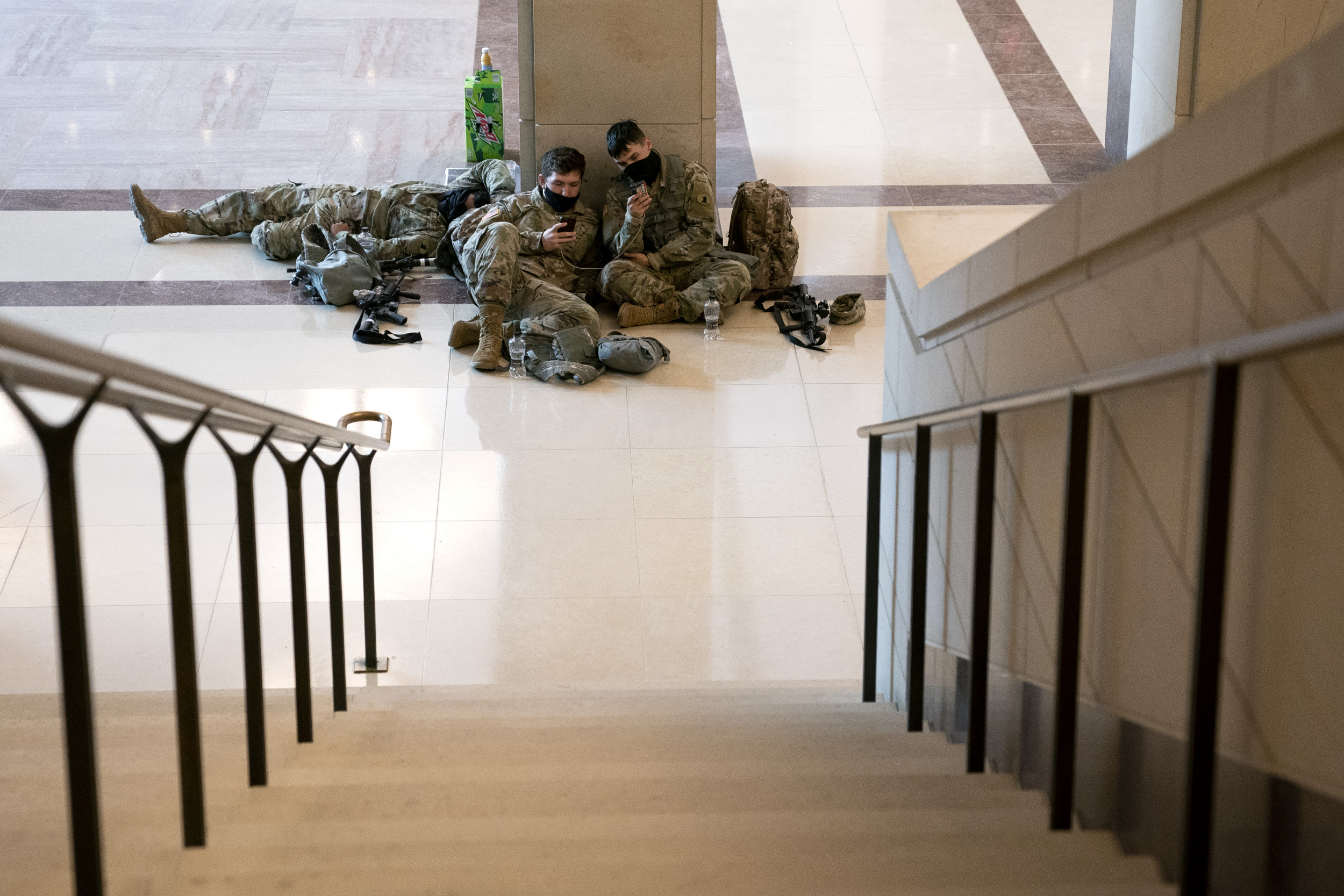 2 House Dems request cots from Army sec. so National Guardsmen don't sleep on Capitol floor