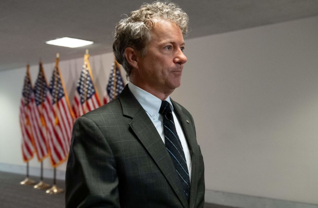 """Reactions ridiculed Rand Paul's """"throw your mask away"""" comment as U.S. COVID deaths near 400,000"""