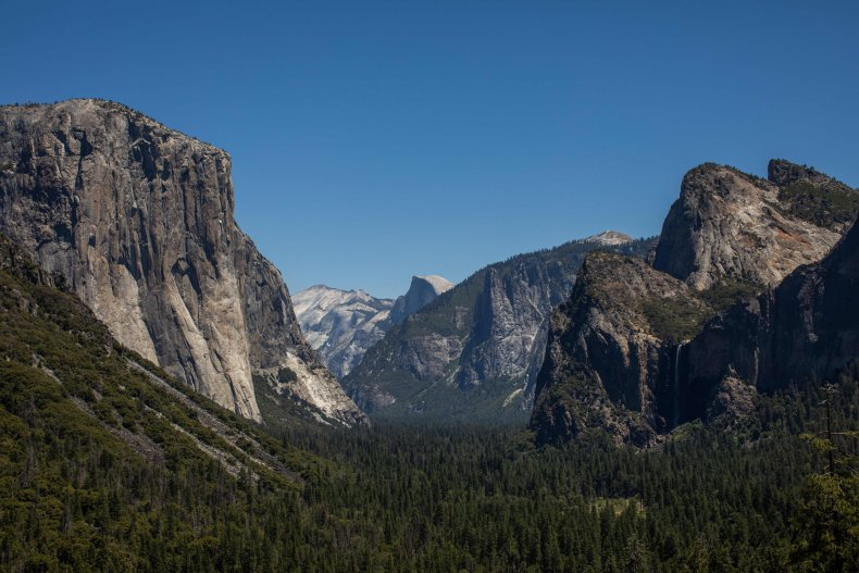 Yosemite Valley Tunnel View Lookout