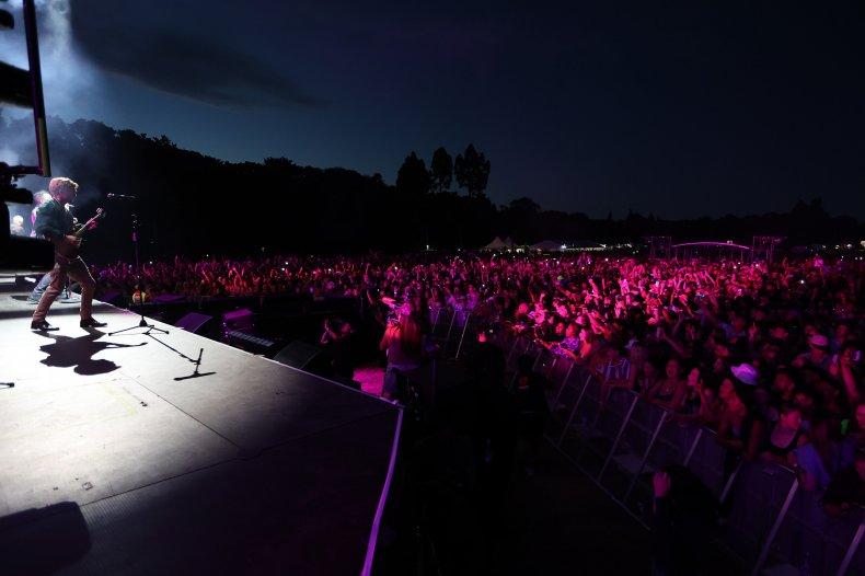 New Zealand COVID free concert Waitangi crowd