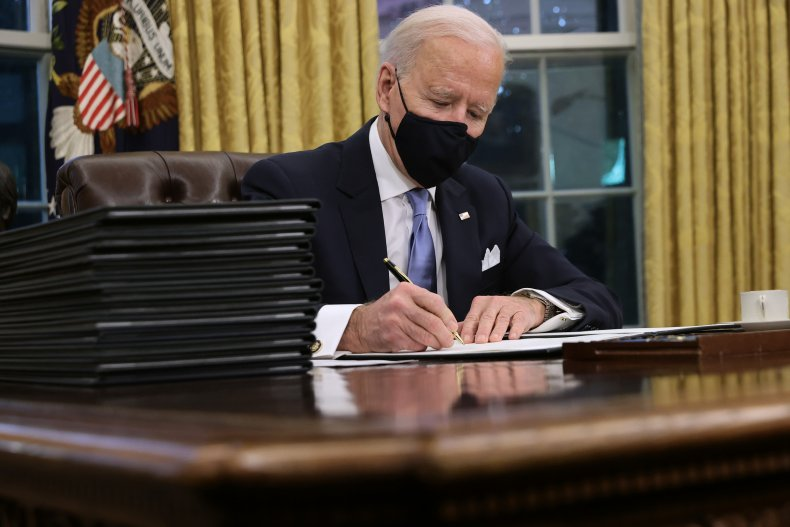 joe biden overturns diversity training ban