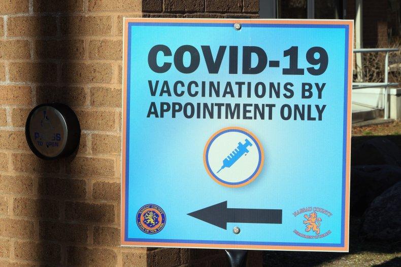 COVID-19 vaccination center New York January 2021