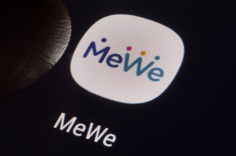 MeWe Logo App