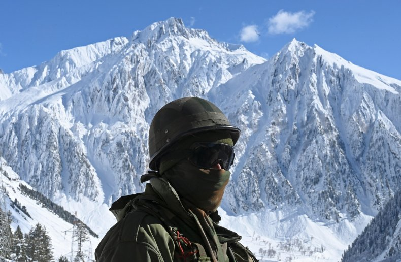 Indian soldiers near China border tensions clash