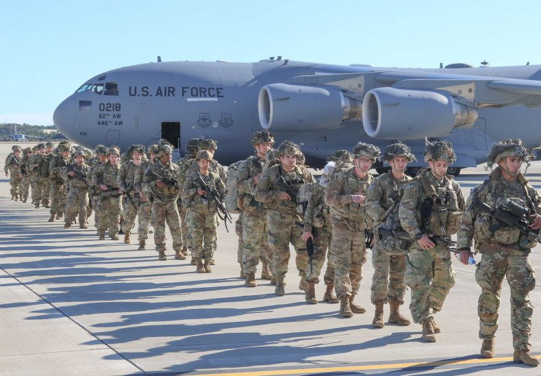 82nd Airborne paratroopers deploy North Carolina