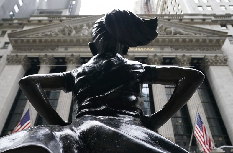 Fearless Girl sculpture near NYSE