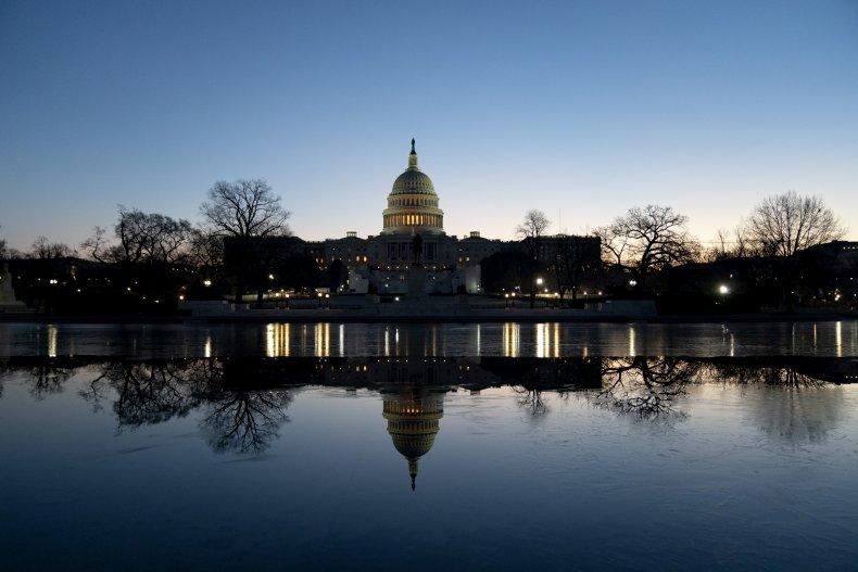 the us capitol at dawn