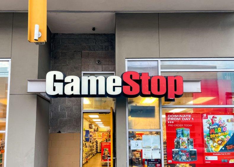 GameStop in Hollywood