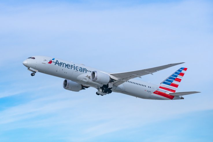 American Airlines Plane above Los Angeles Airport