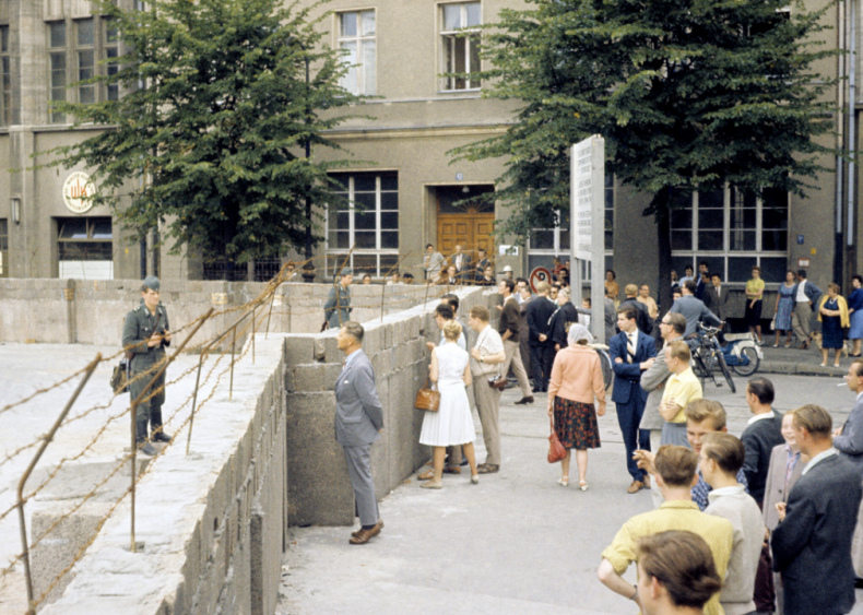 Berlin Wall goes up