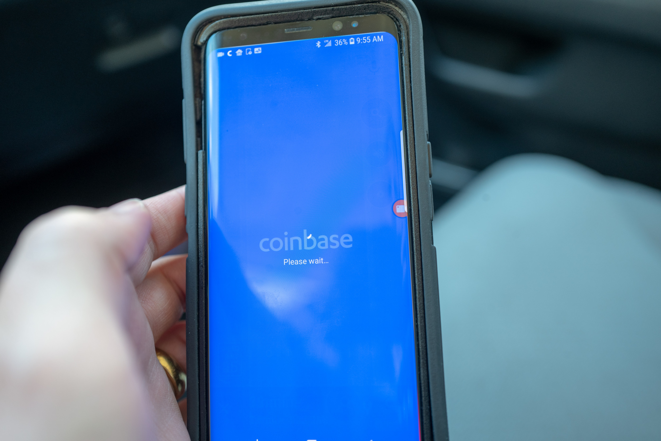What Happened to Trading on Coinbase? Cryptocurrency Platform Temporarily Disabled thumbnail