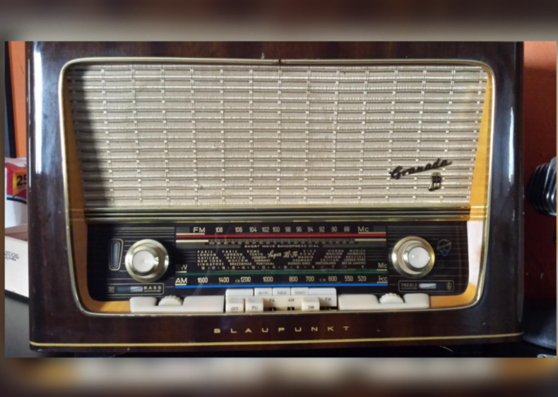 1929: Car radios