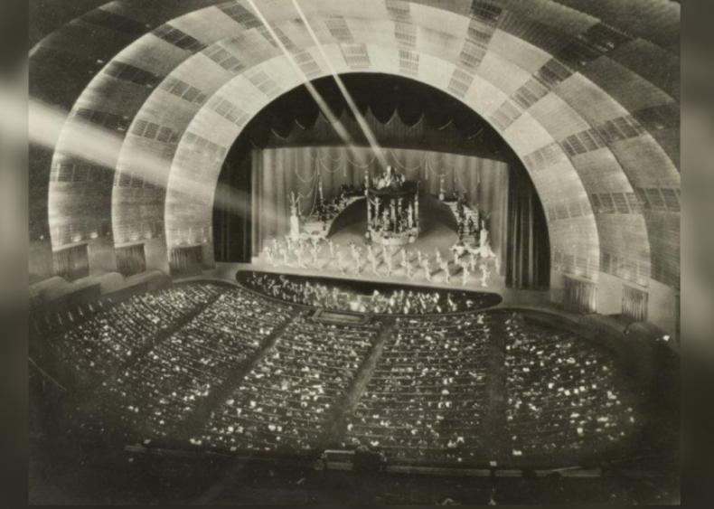 1932: Radio City Music Hall