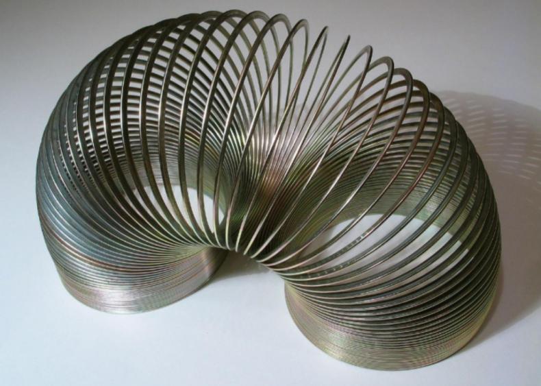 1945: Slinky