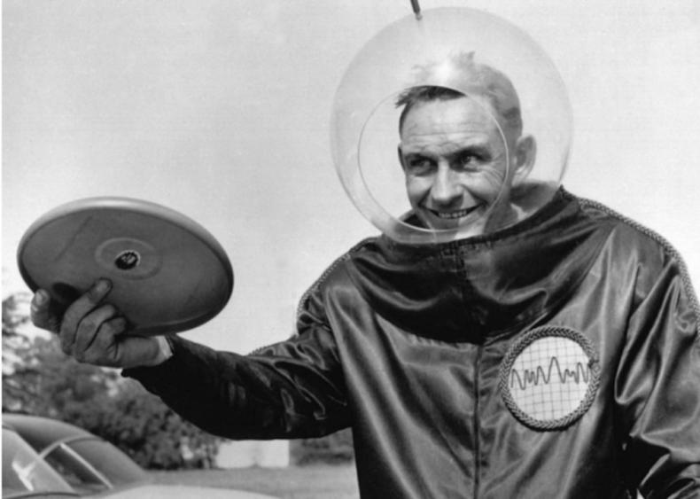 1957: Frisbee