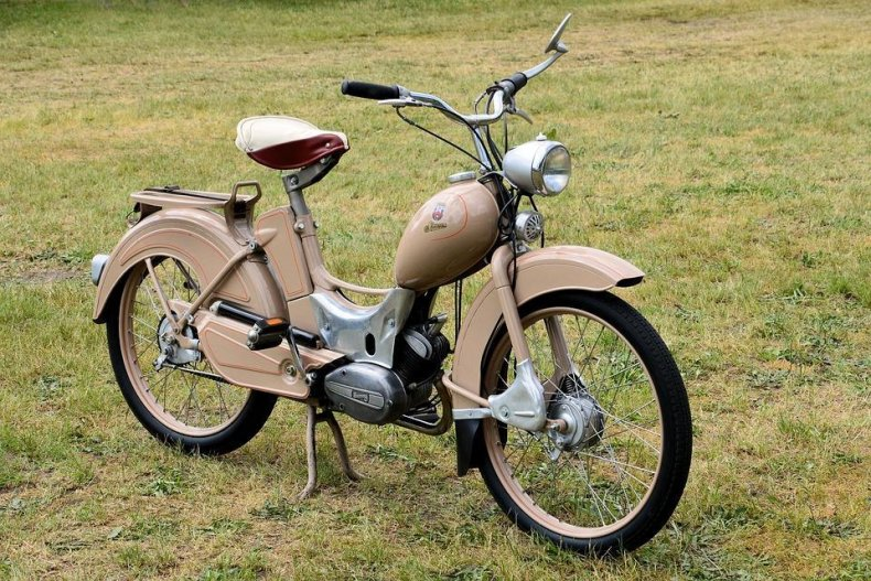 1974: Mopeds
