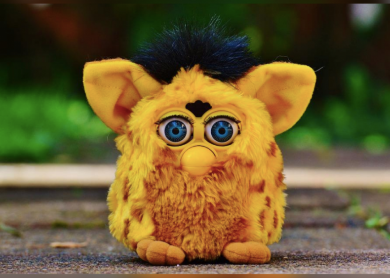 1998: Furby