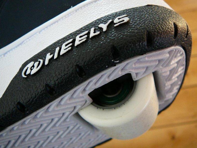 2000: Heelys