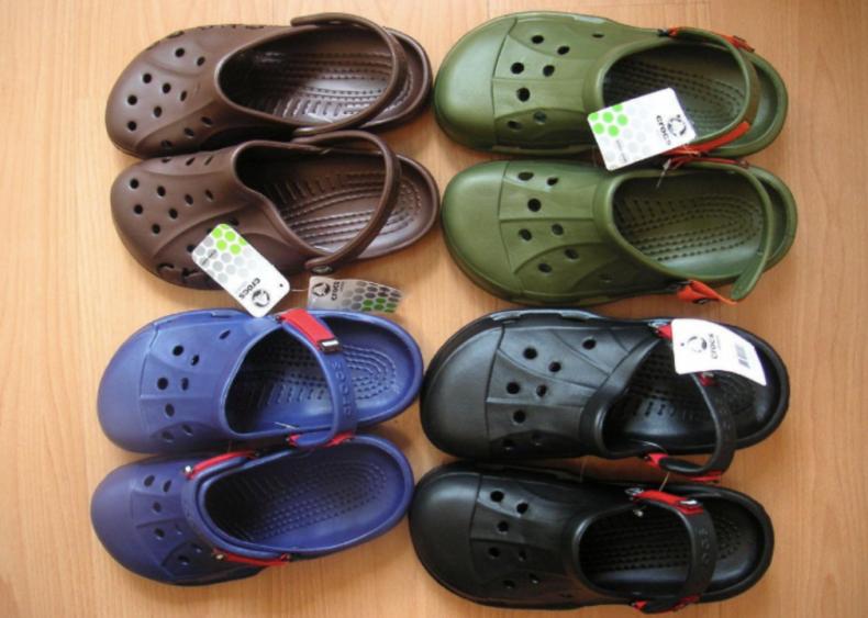 2007: Crocs