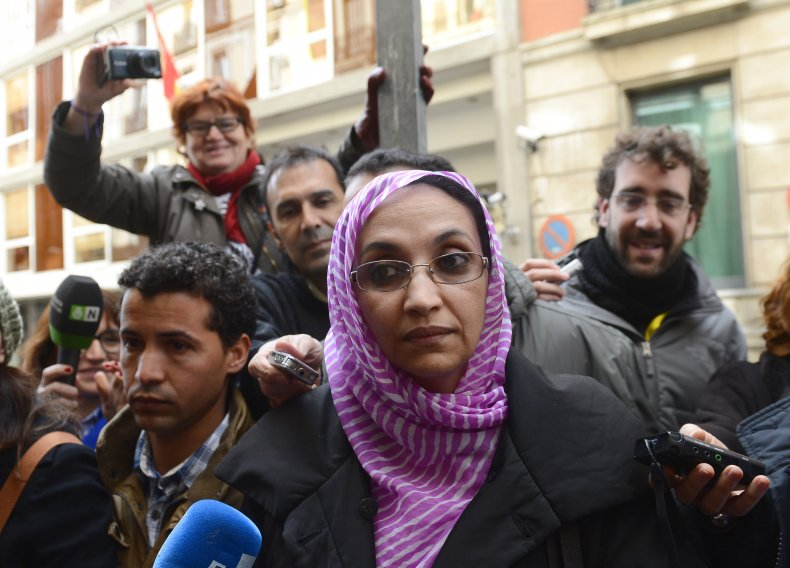 Aminatou Haidar leaves court in Spain
