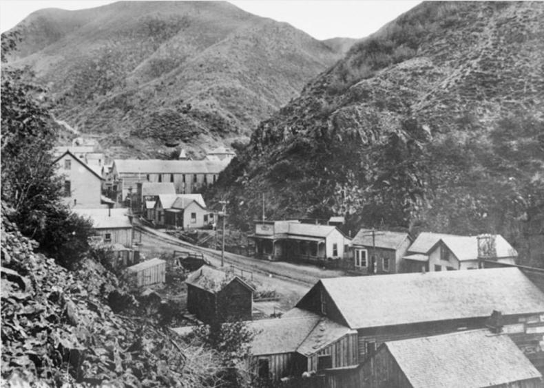 1926: Utah mining town avalanche