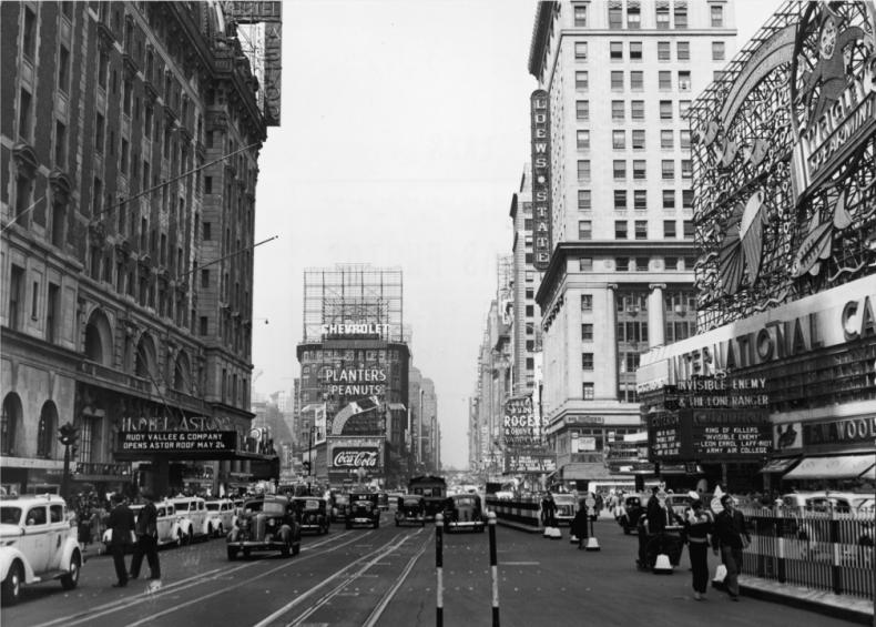 1935: Times Square blizzard