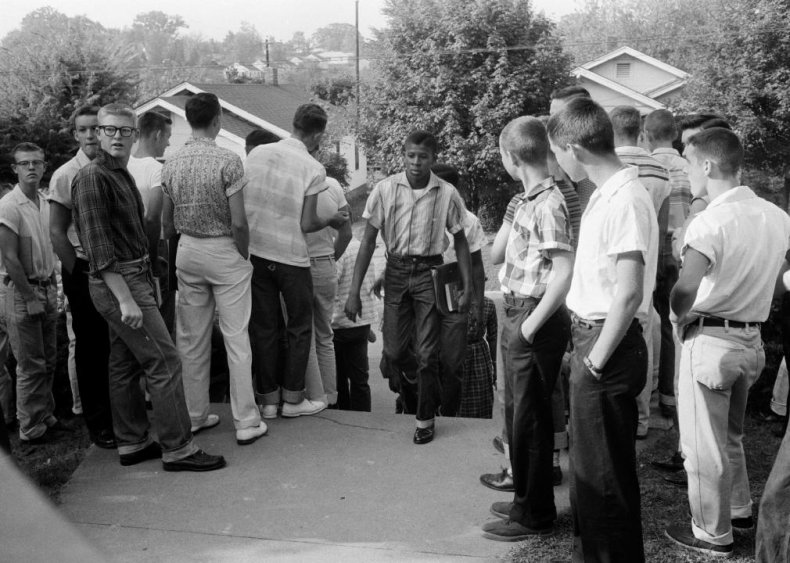 Tennessee: Integration begins in Clinton