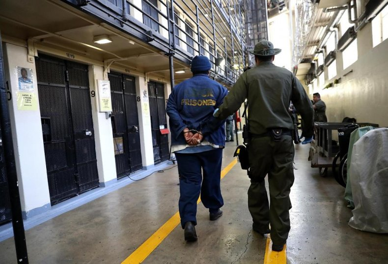 Death row inmates: 2,553