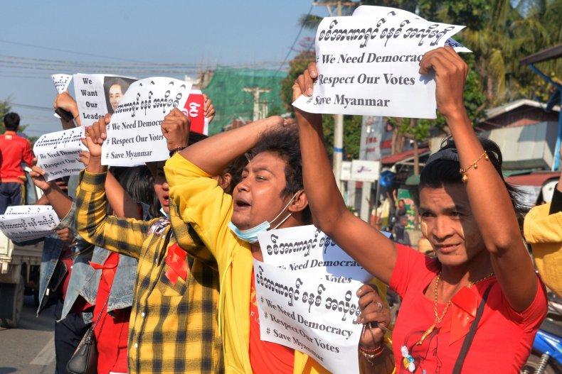 democracy protest Naypyidaw