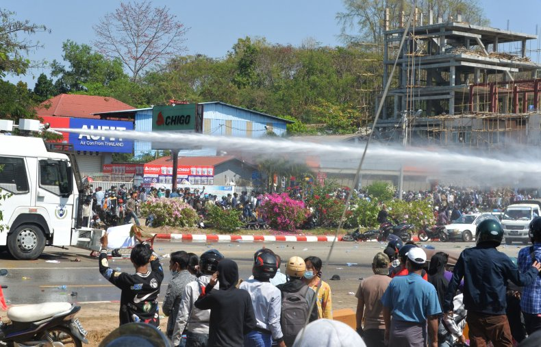 Police fire water cannons Myanmar