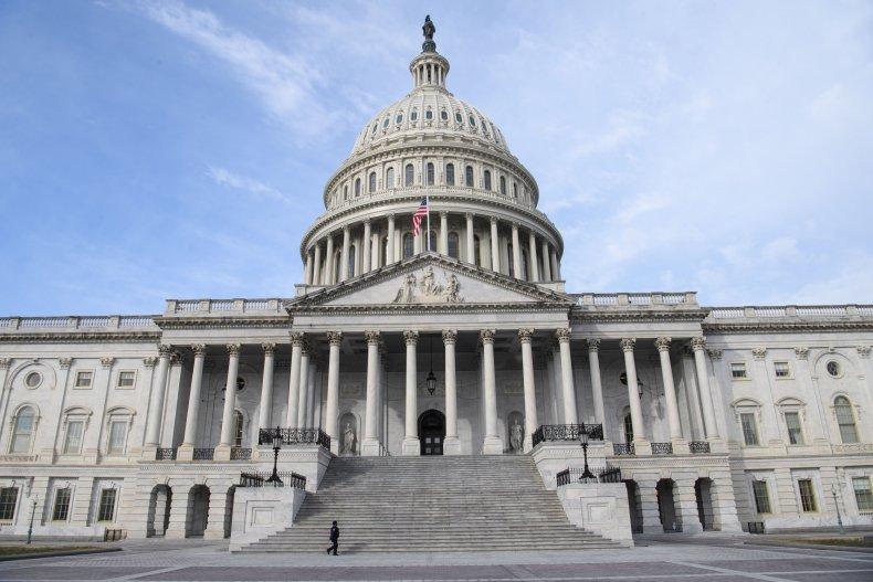Capitol Police stands guard Trump impeachment trial