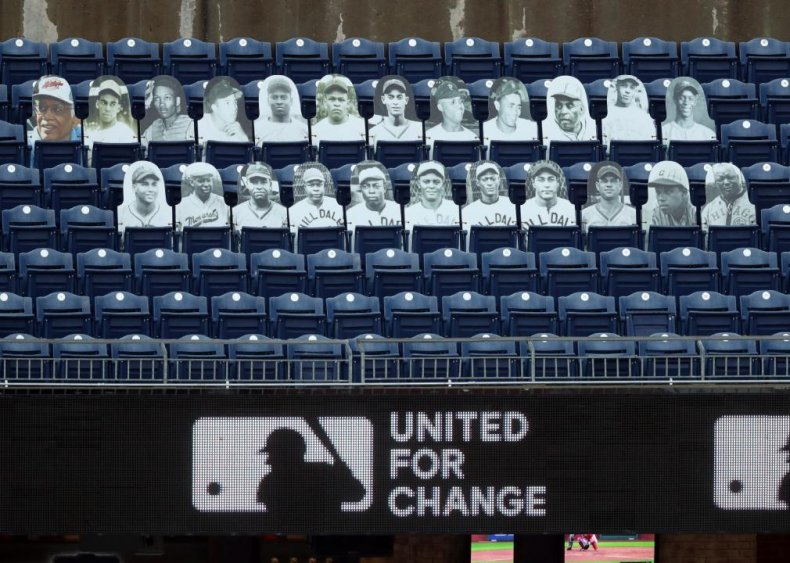 Players honor African American players from the Negro Leagues